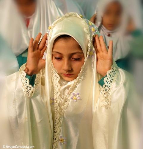 حکم حرکت هنگام گفتن ذکرهاى واجب نماز!